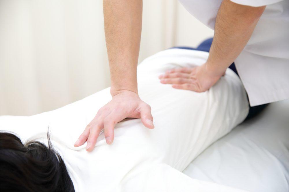 腰痛を改善する骨格矯正|戸田市まつなが接骨院